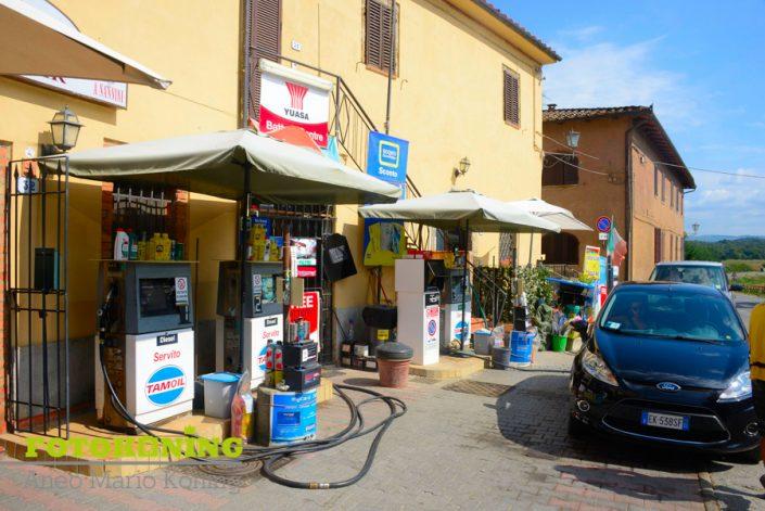 landschap buitengebied Italië Toscane tankstadion