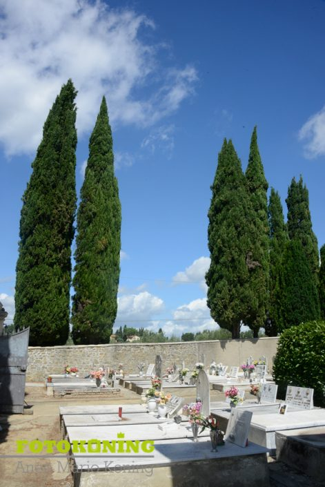 landschap buitengebied Italië Toscane kerkhof