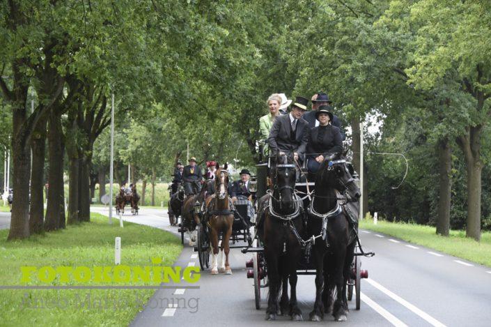 Kastelen toch 2017 vanuit de koets burgemeester Frits Naafs