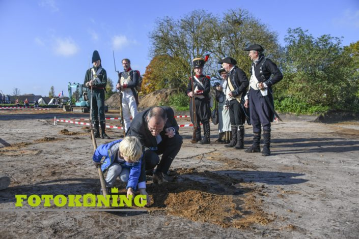 Nationale Archeologiedagen geopend bij Franse Kamp in Austerlitz