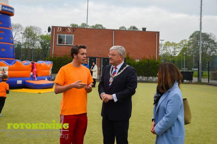 Jan van Zanen bij Koningsspelen Cleophasschool