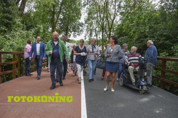 3 juli 2017 voetgangersbrug geopend van Nijenheim naar winkelcentrum De Clomp